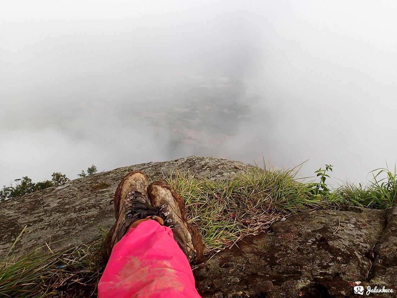 View dari batu tumpuk, gunung bongkok