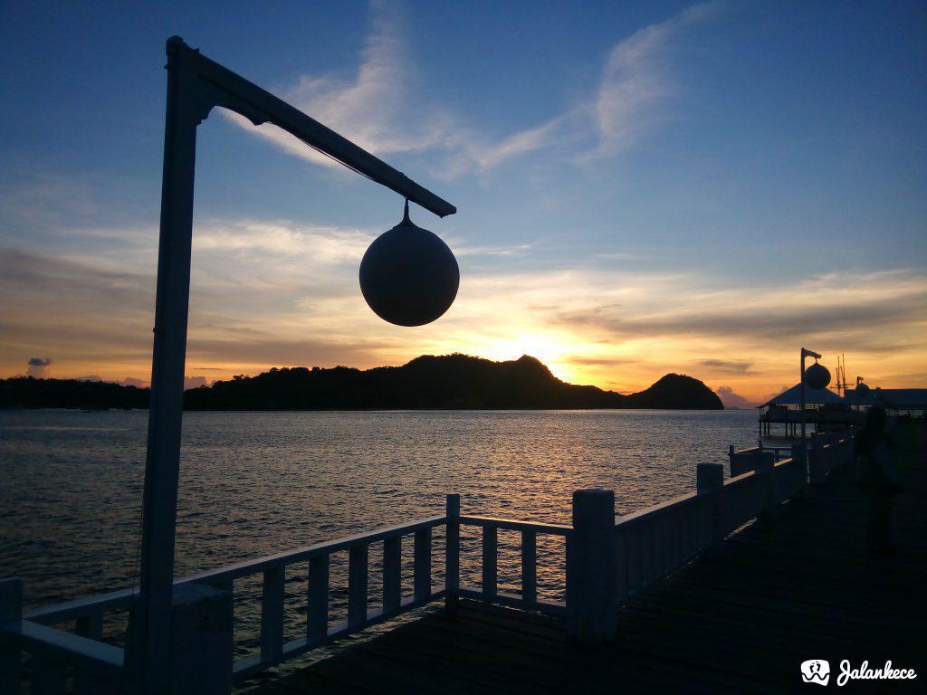 Sunset dari Dermaga Putih